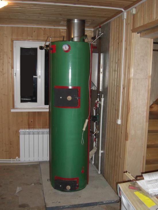 Получаем горячую воду от дров - используем двухконтурный твердотопливный котел длительного горения 2