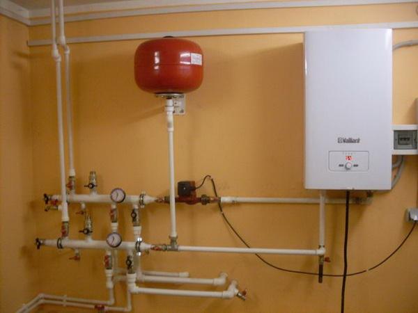 Отопление загородного дома – все варианты и выбор топлива 3