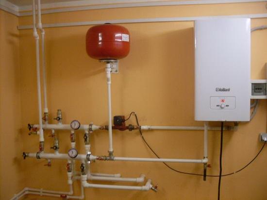 Простое отопление загородного дома электрическим котлом 2