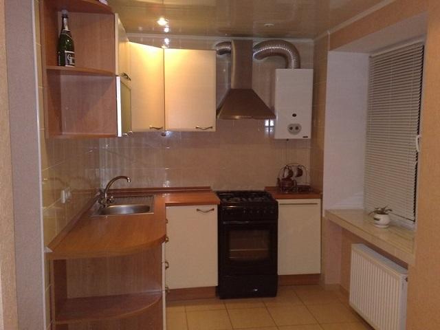 дизайн кухни с котлом индивидуального отопления в углу фото 2