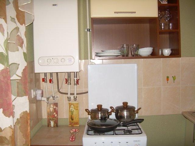 дизайн кухни с котлом индивидуального отопления в углу фото 6