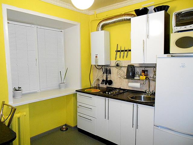 маленькая кухня дизайн фото 9 кв м с холодильником с котлом 2