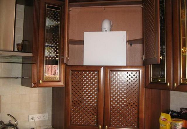 Как красиво закрыть газовый котел на кухне - фото 6
