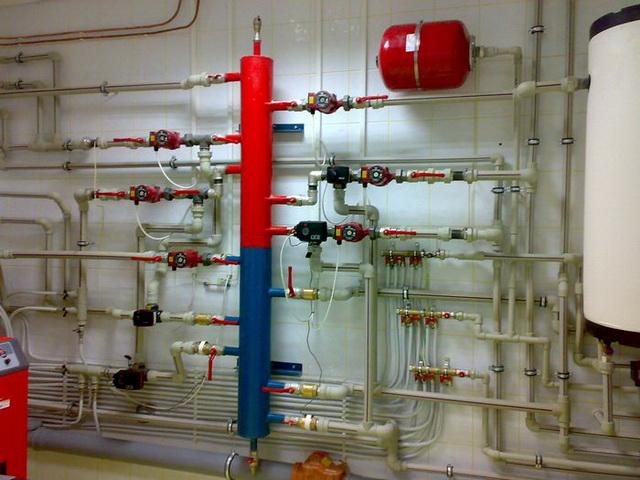 Как провести отопление в частном доме своими руками - схема от котла 2