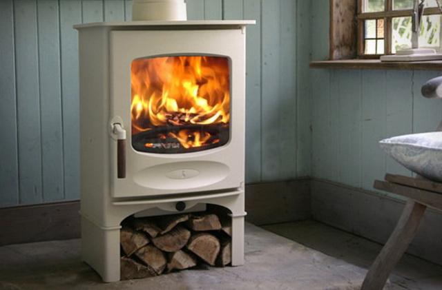 Виды дровяных печей длительного горения для отопления дома 1
